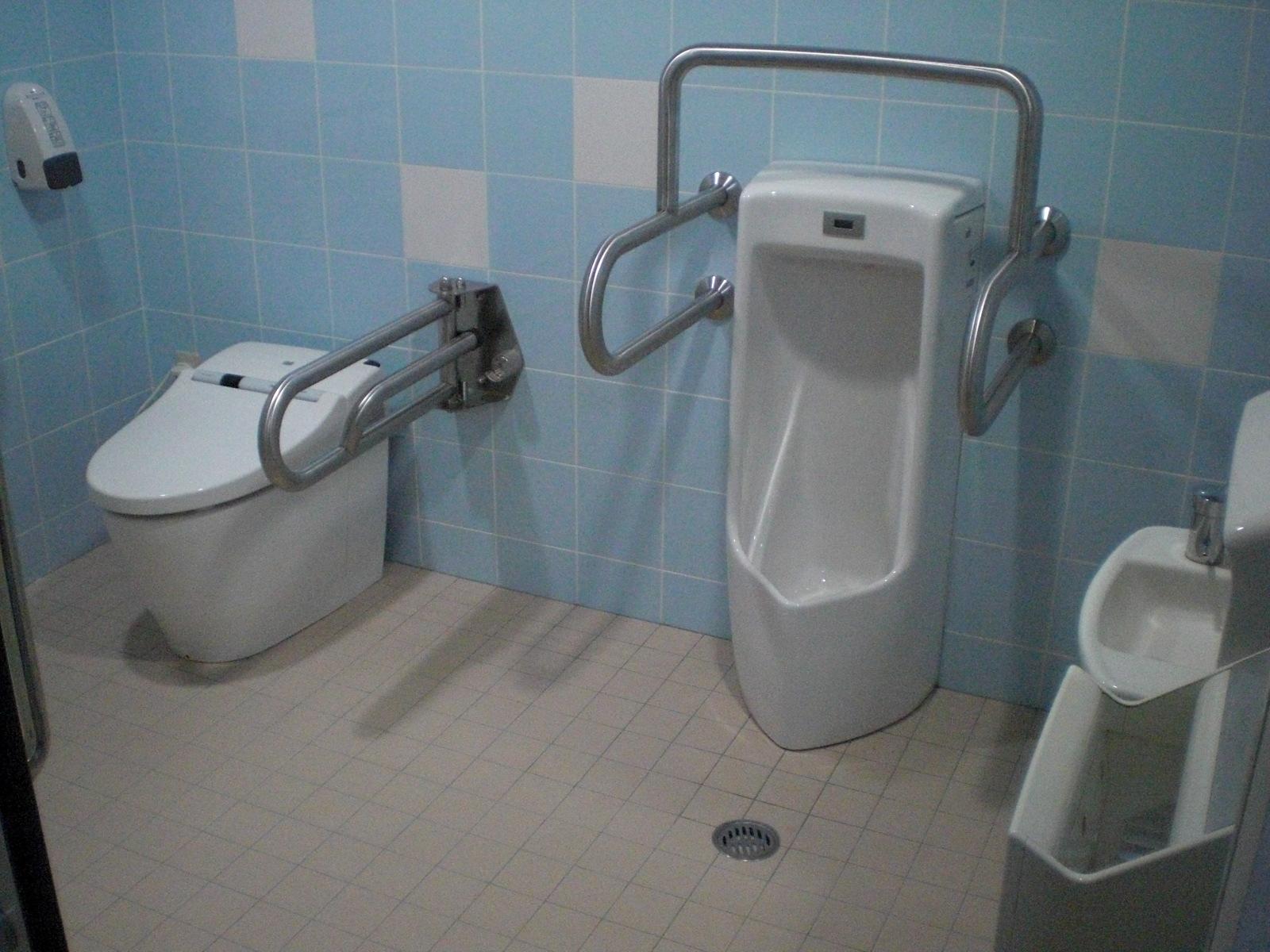 あせい歯科のトイレはこんな感じです♪